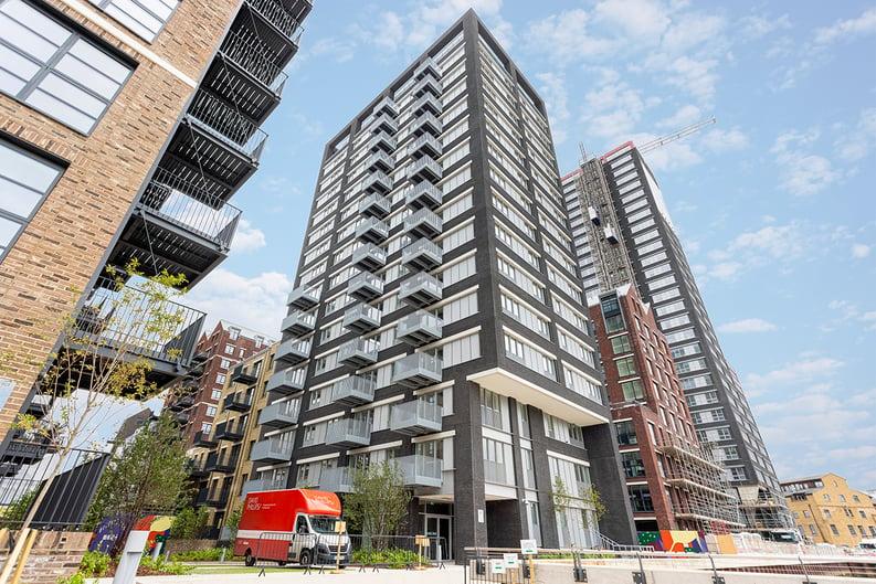 1 bedroom(s) apartment to sale in Goodluck Hope Walk, Poplar-image 1