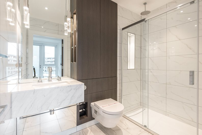 2 bedroom(s) apartment to sale in Lancaster House, Sovereign Court, Hammersmith, London-image 6