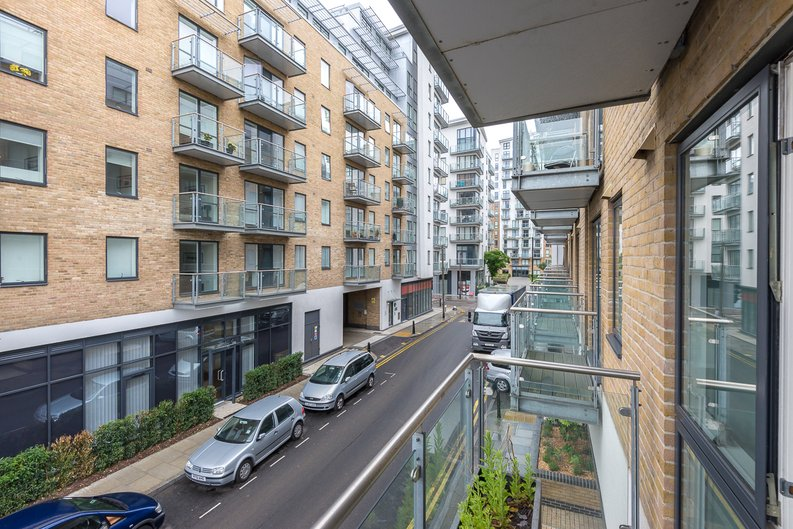 1 bedroom(s) apartment to sale in Caspian Wharf, 1 Yeo Street, Bromley-by- Bow, London-image 6