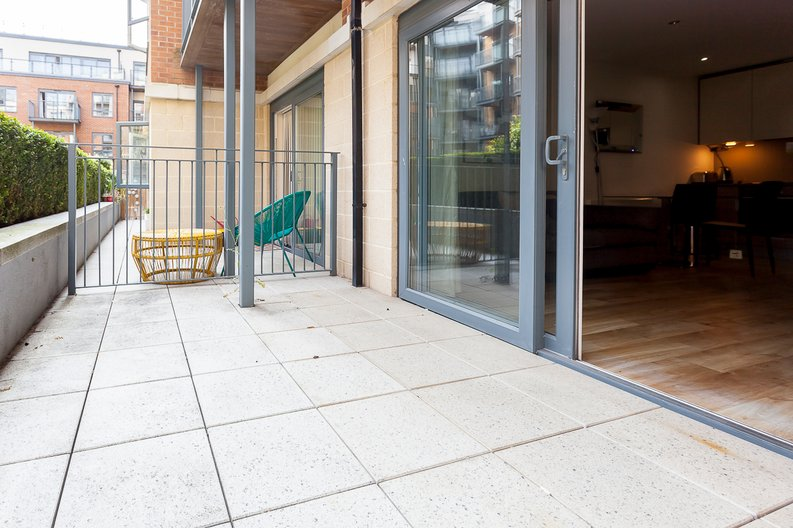 Studio apartment to sale in Boulevard Drive, Colindale, London-image 9