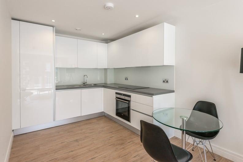1 bedroom(s) apartment to sale in Havilland Mews, Shepherds Bush, London-image 2