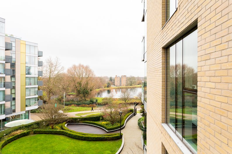 2 bedroom(s) apartment to sale in Waterside Apartments, Woodberry Down, Manor House-image 12