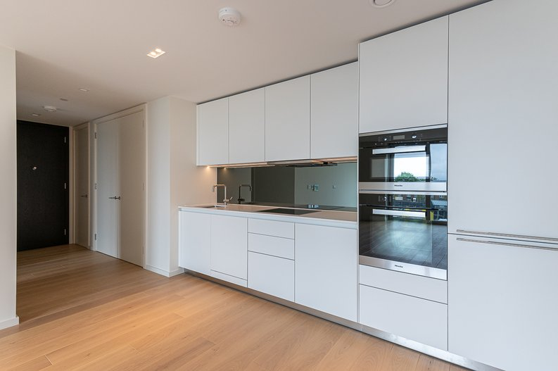 1 bedroom(s) apartment to sale in Lillie Square, Earls Court, London-image 2
