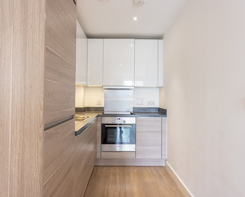 1 bedroom(s) apartment to sale in Seafarer Way, Surrey Quays, London-image 7