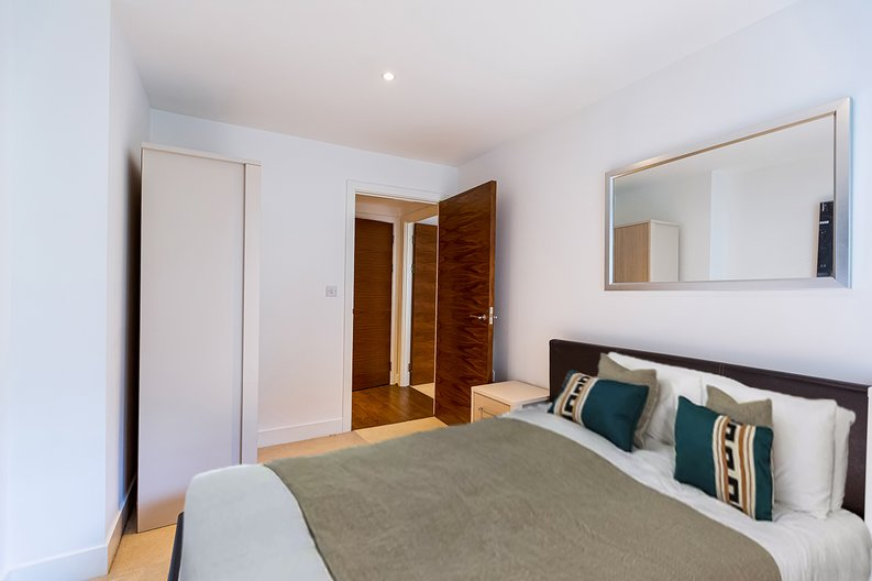 2 bedroom(s) apartment to sale in Napier House, Bromyard Avenue, Napier West, London-image 8