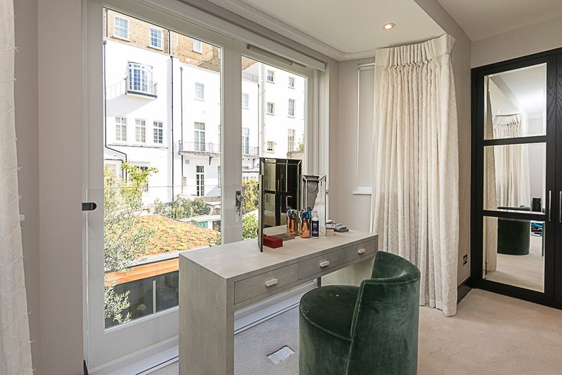 5 bedroom(s) house to sale in Cadogan Lane, Knightsbridge-image 7