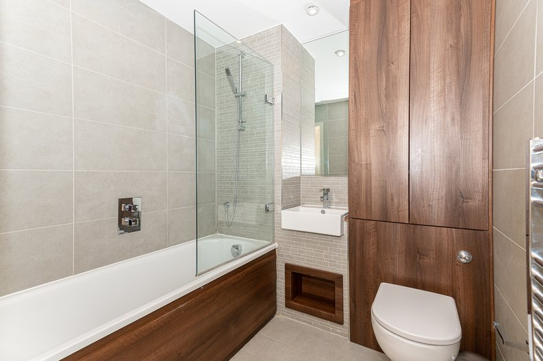 1 bedroom(s) apartment to sale in Waterside Apartments, Goodchild Road, London-image 3