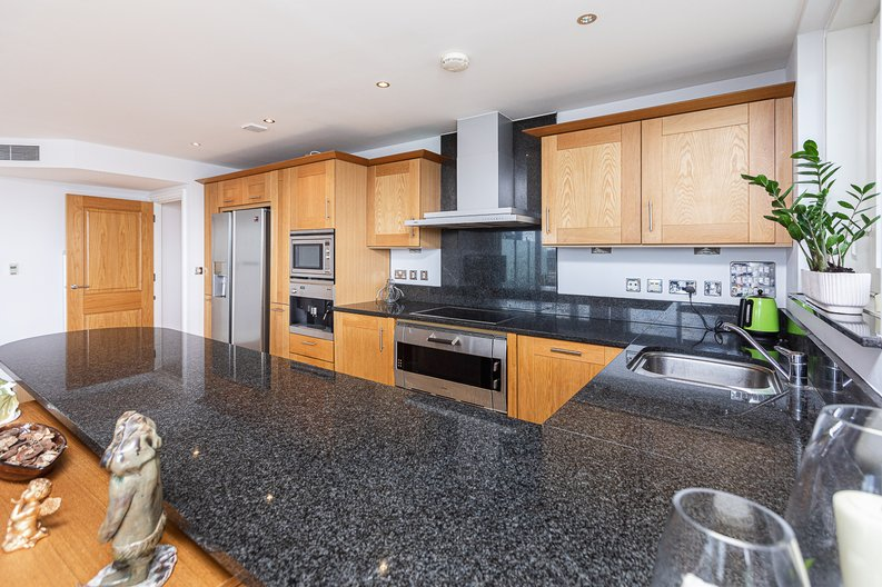 2 bedroom(s) apartment to sale in Lensbury Avenue, Imperial Wharf, Fulham-image 12