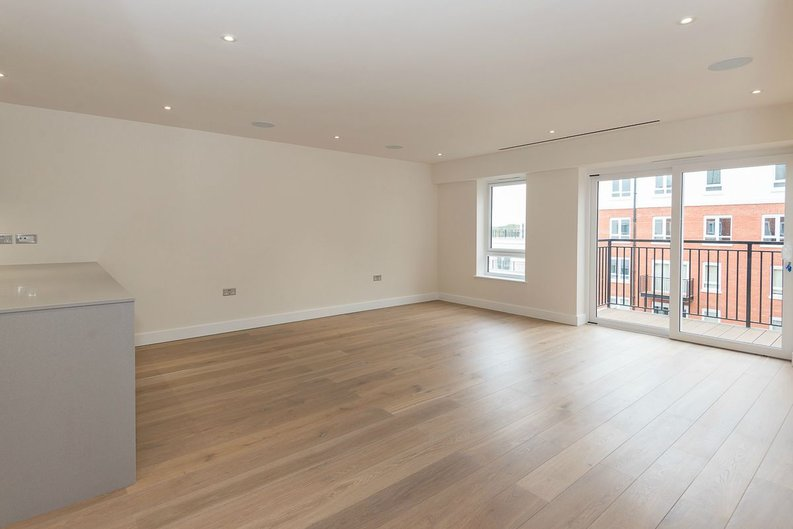 2 bedroom(s) apartment to sale in Goldhawk House, Beaufort Square, London-image 1