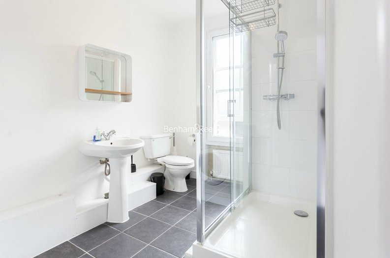 3 bedroom(s) house to sale in Endell Street, Covent Garden, London-image 3