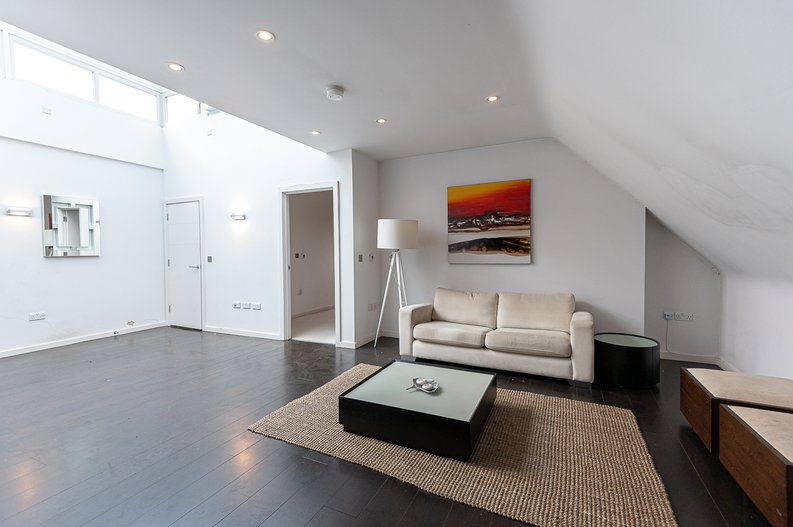 1 bedroom(s) apartment to sale in Gore House, Drummond Way, Islington, London-image 6