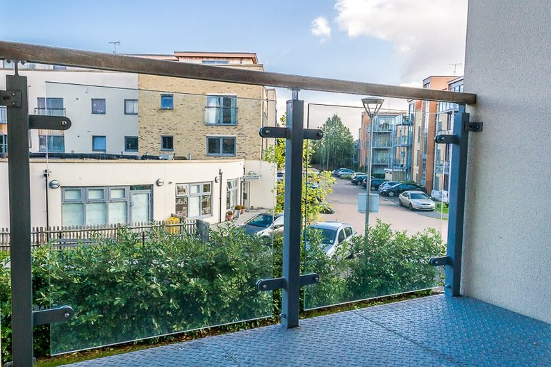 1 bedroom(s) apartment to sale in Braham Court, Blagrove Road, Greater London, Teddington-image 7