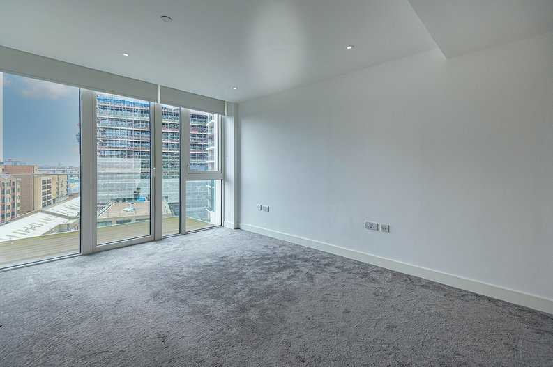 2 bedroom(s) apartment to sale in Vaughan Way, St Katherine's & Wapping, London-image 8