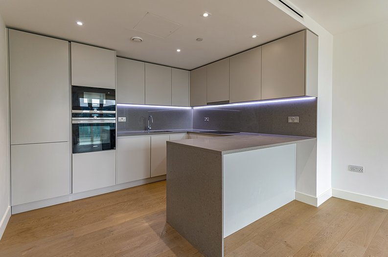 2 bedroom(s) apartment to sale in Vaughan Way, St Katherine's & Wapping, London-image 2