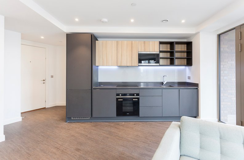 1 bedroom(s) apartment to sale in Royal Dock West, 12 Western Gateway, London-image 7