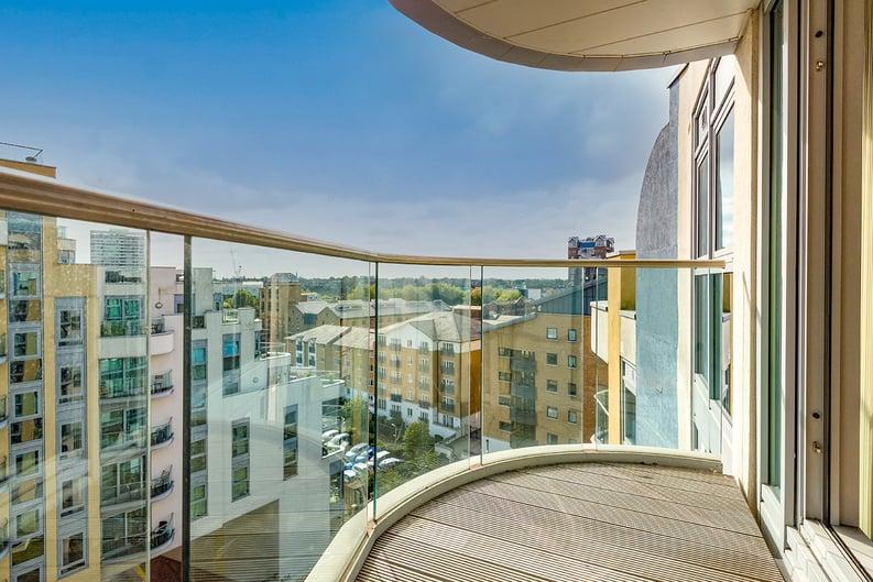1 bedroom(s) apartment to sale in Vicentia Court, Bridges Court Road, London-image 3