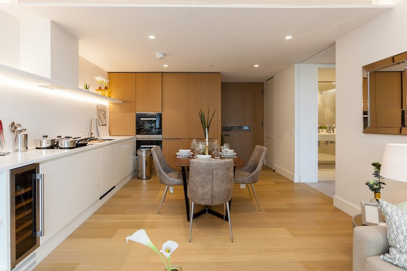 1 bedroom(s) apartment to sale in Rathbone Place, Fitzrovia-image 4