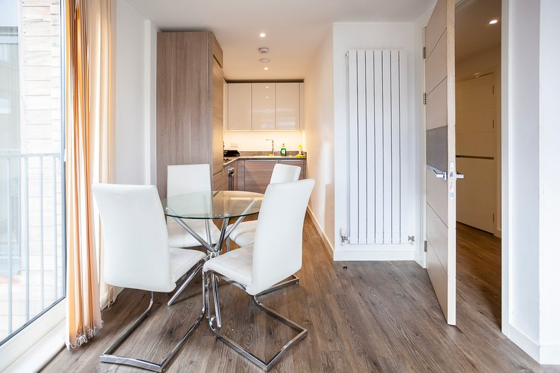 1 bedroom(s) apartment to sale in Baroque Gardens, Mary Rose Square, Surrey Quays-image 6