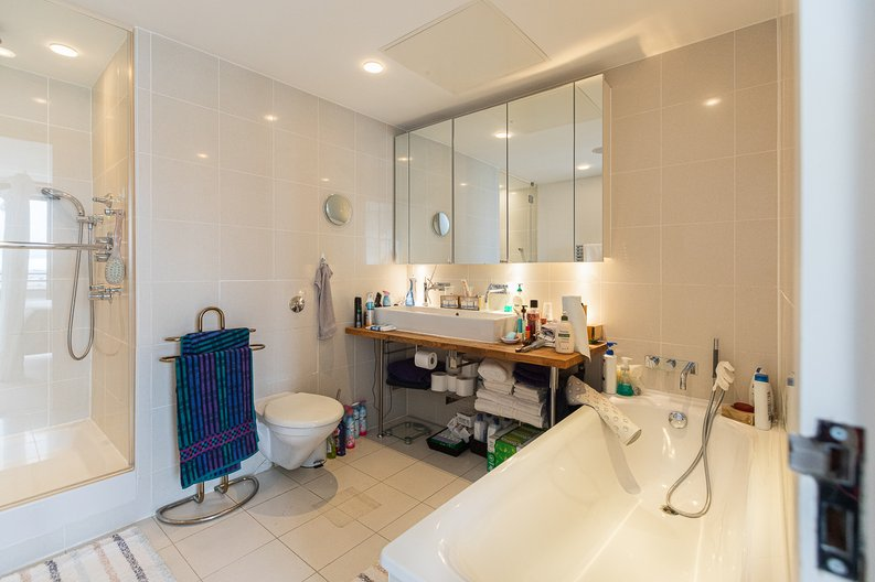 3 bedroom(s) apartment to sale in Cromwell Road, South Kensington, London-image 10