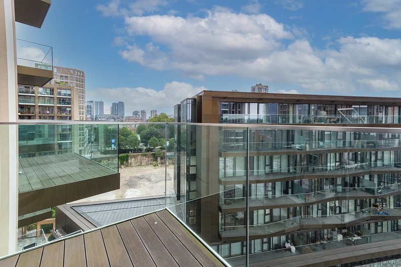 2 bedroom(s) apartment to sale in Vaughan Way, St Katherine's & Wapping, London-image 5