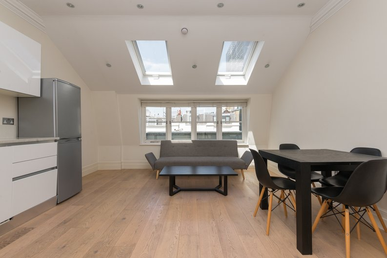 2 bedroom(s) apartment to sale in Chilworth Mews, Paddington-image 2