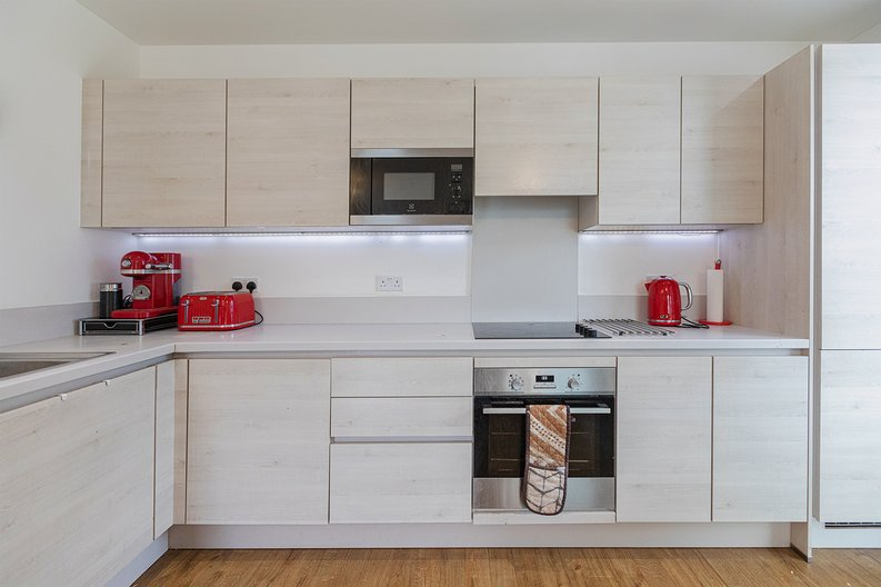 3 bedroom(s) apartment to sale in Olympic Way, Wembley, Greater London, London-image 2