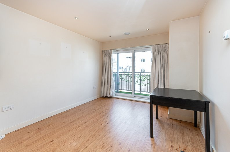 1 bedroom(s) apartment to sale in Curtiss House, 27 Heritage Avenue, Beaufort Park, London-image 7
