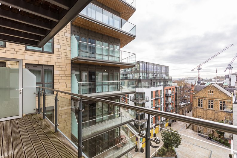 2 bedroom(s) apartment to sale in Belgravia House, Dickens Yard, Ealing-image 1