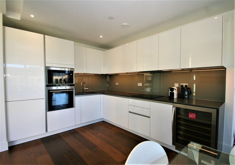 2 bedroom(s) apartment to sale in Westbourne Apartments, 5 Central Avenue, Fulham , London-image 3