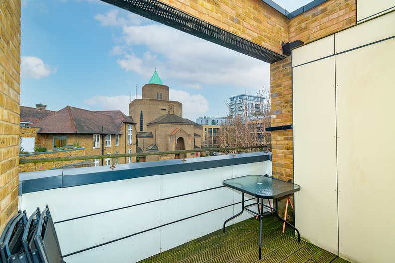 3 bedroom(s) apartment to sale in Annabel Close, Poplar, London-image 4