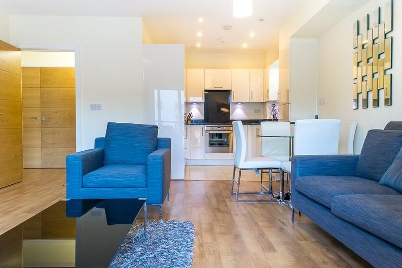 1 bedroom(s) apartment to sale in Braham Court, Blagrove Road, Teddington-image 3
