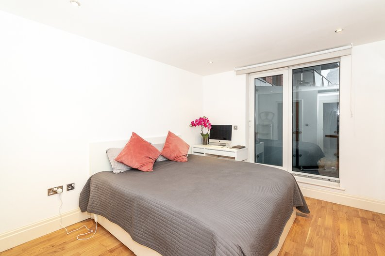 2 bedroom(s) apartment to sale in Harbour Reach, Imperial Wharf, London-image 7