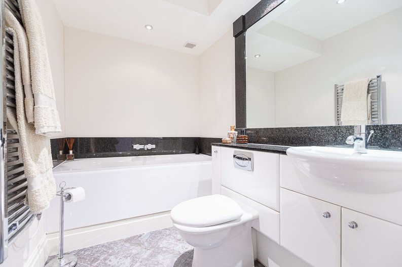 2 bedroom(s) apartment to sale in Lensbury Avenue, Imperial Wharf, Fulham-image 14