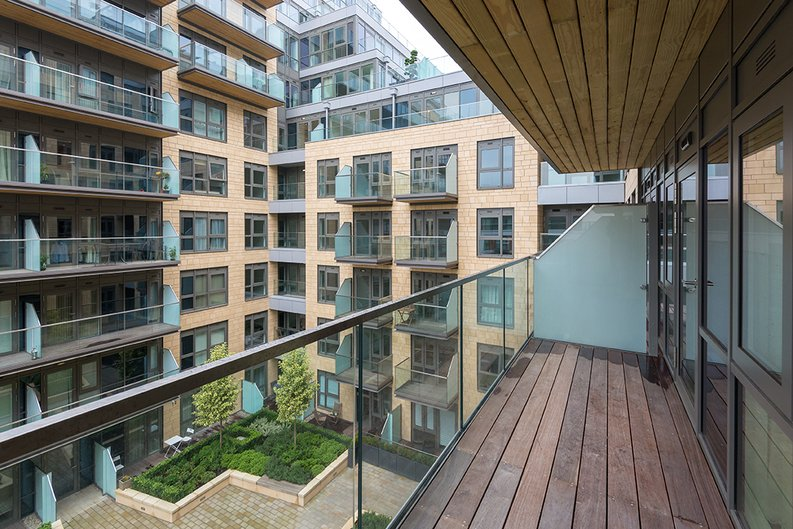1 bedroom(s) apartment to sale in Vista House, Dickens Yard, Ealing-image 9
