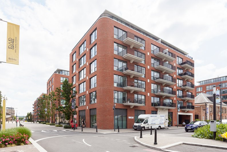 2 bedroom(s) apartment to sale in Tyger House, New Warren Lane, London-image 1