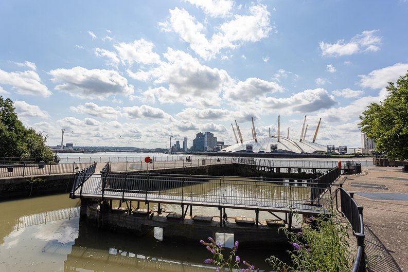 1 bedroom(s) apartment to sale in Silvocea Way, Canning Town, London-image 10