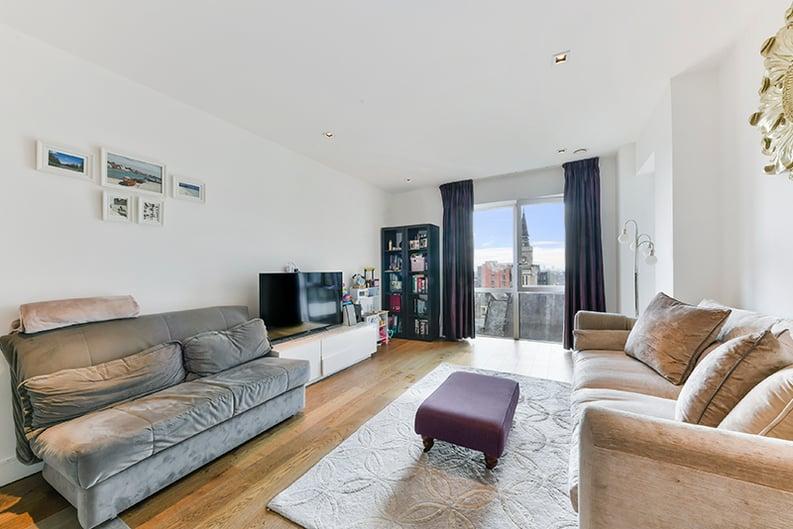 2 bedroom(s) apartment to sale in Belgravia House, Dickens Yard, Ealing, London-image 7