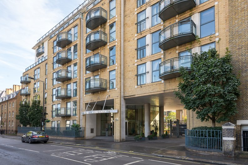 2 bedroom(s) apartment to sale in Chelsea Gate Apartments, 93 Ebury Bridge Road, Sloane Square-image 8