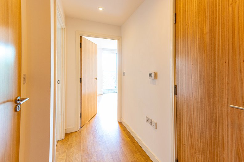 1 bedroom(s) apartment to sale in Goodchild Road, Woodbury Down, London-image 13