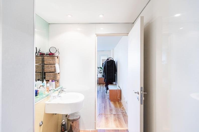 2 bedroom(s) apartment to sale in Westminster Bridge Road, Lambeth, London-image 9