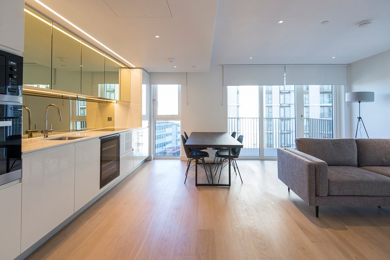 2 bedroom(s) apartment to sale in Fountain Park Way, White City, London-image 1