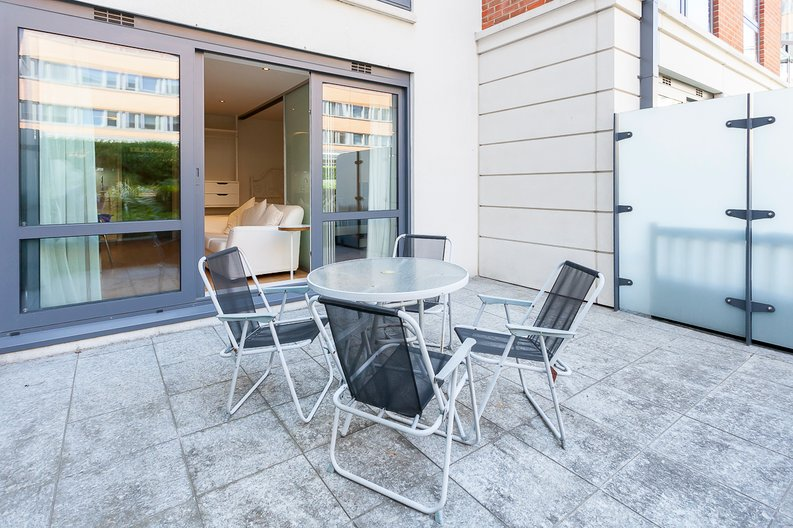 1 bedroom(s) apartment to sale in Counter House, Park Street, Chelsea Creek, London-image 12