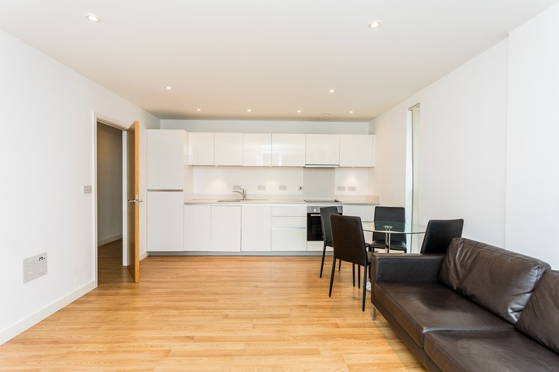 2 bedroom(s) apartment to sale in Waterside Apartments, Woodberry Down, Manor House-image 1
