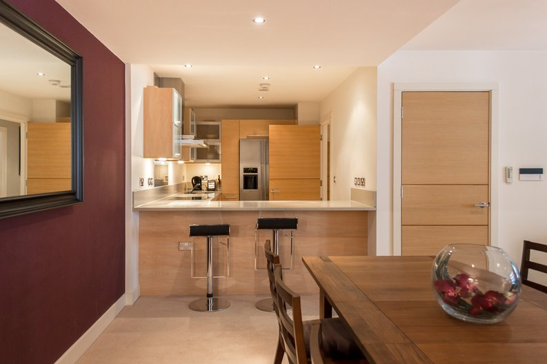 2 bedroom(s) apartment to sale in Regal House, Lensbury Avenue, Imperial Wharf, London-image 7
