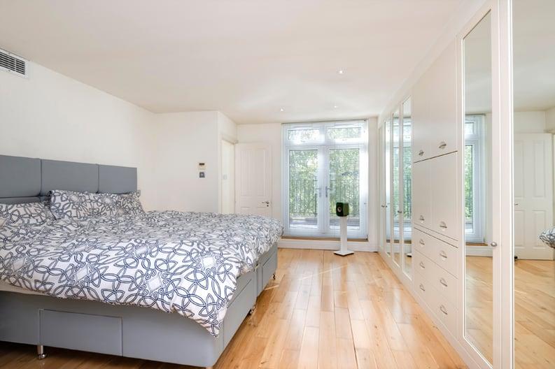4 bedroom(s) house to sale in Rosemont Road, Hampstead, London-image 10