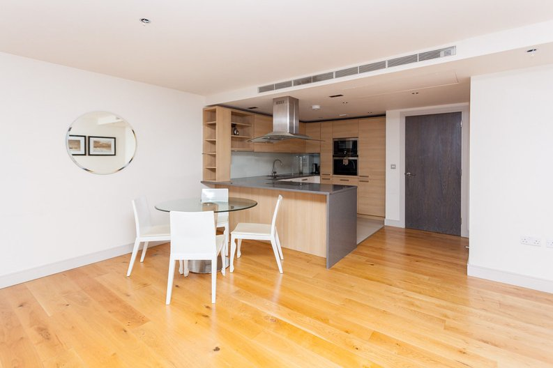 2 bedroom(s) apartment to sale in Octavia House, Townmead Road, Fulham-image 4