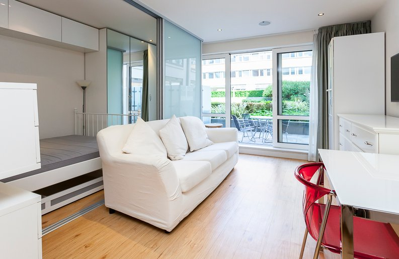 1 bedroom(s) apartment to sale in Counter House, Park Street, Chelsea Creek, London-image 3