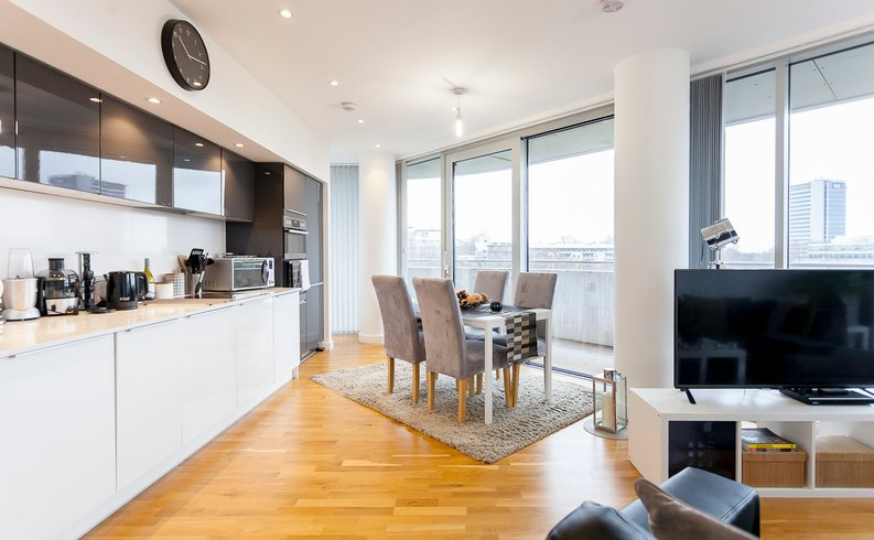 2 bedroom(s) apartment to sale in Edmunds House, Colonial Drive, London-image 2
