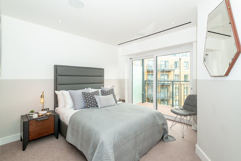 3 bedroom(s) apartment to sale in Chapman House, 24 Aerodrome Road, Beaufort Park , London-image 7