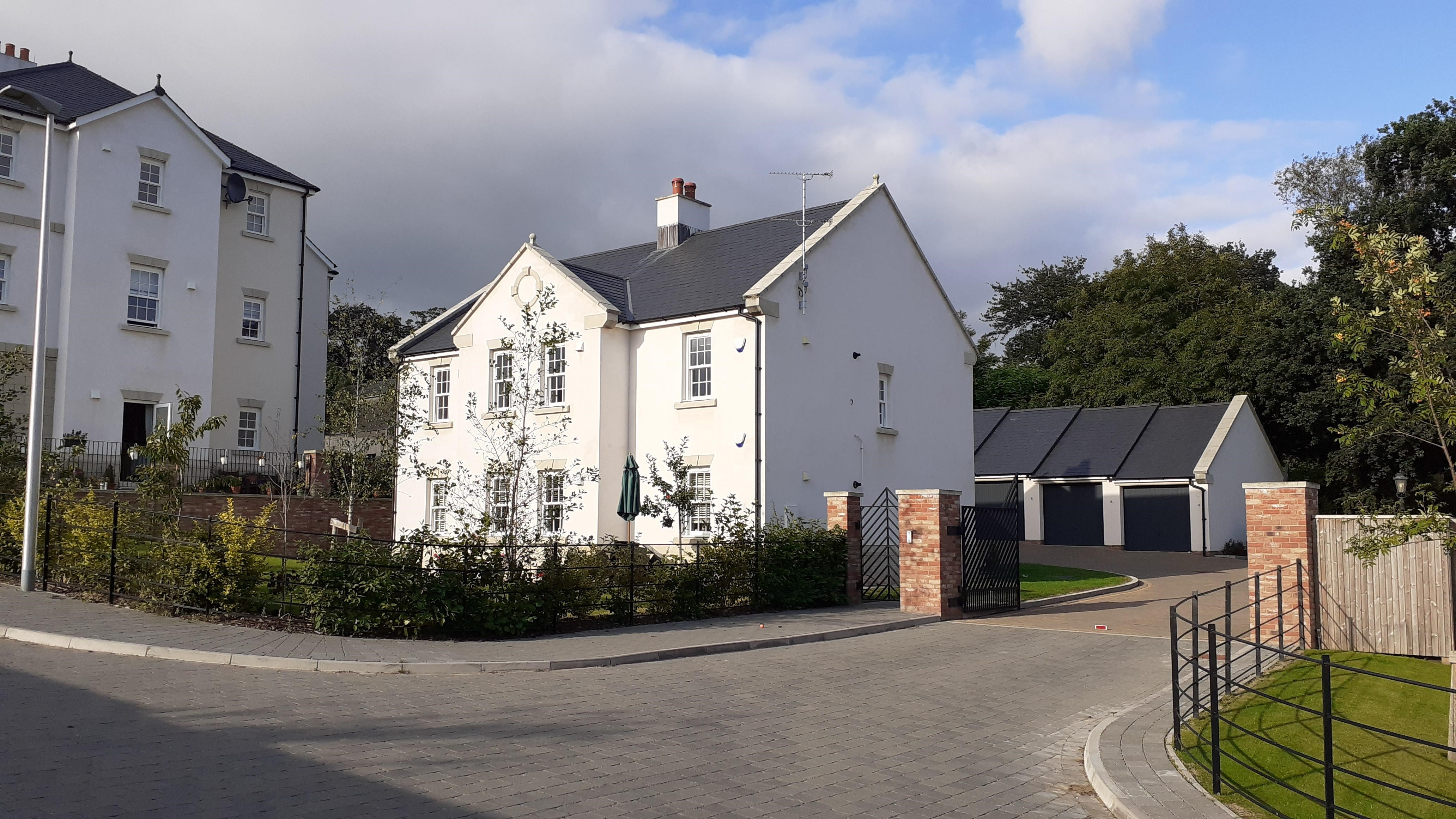 19 Manor Park